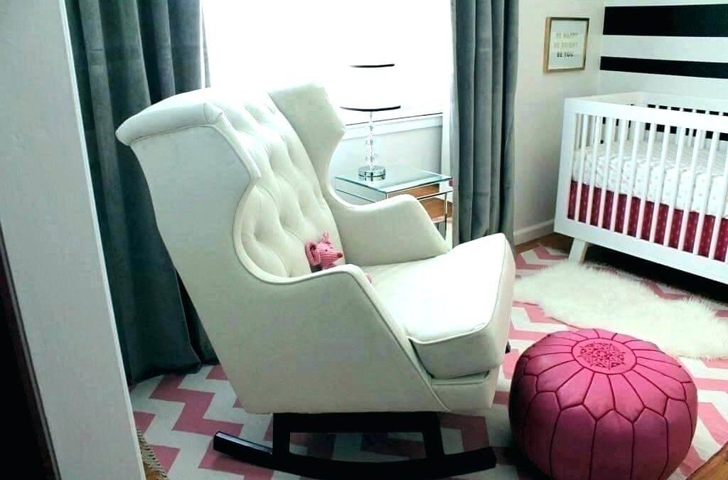 Top 8 Best Small Bedroom Chairs To Consider