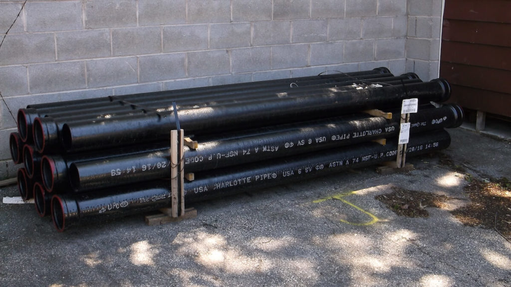 Types of plumbing pipes: Cast Iron