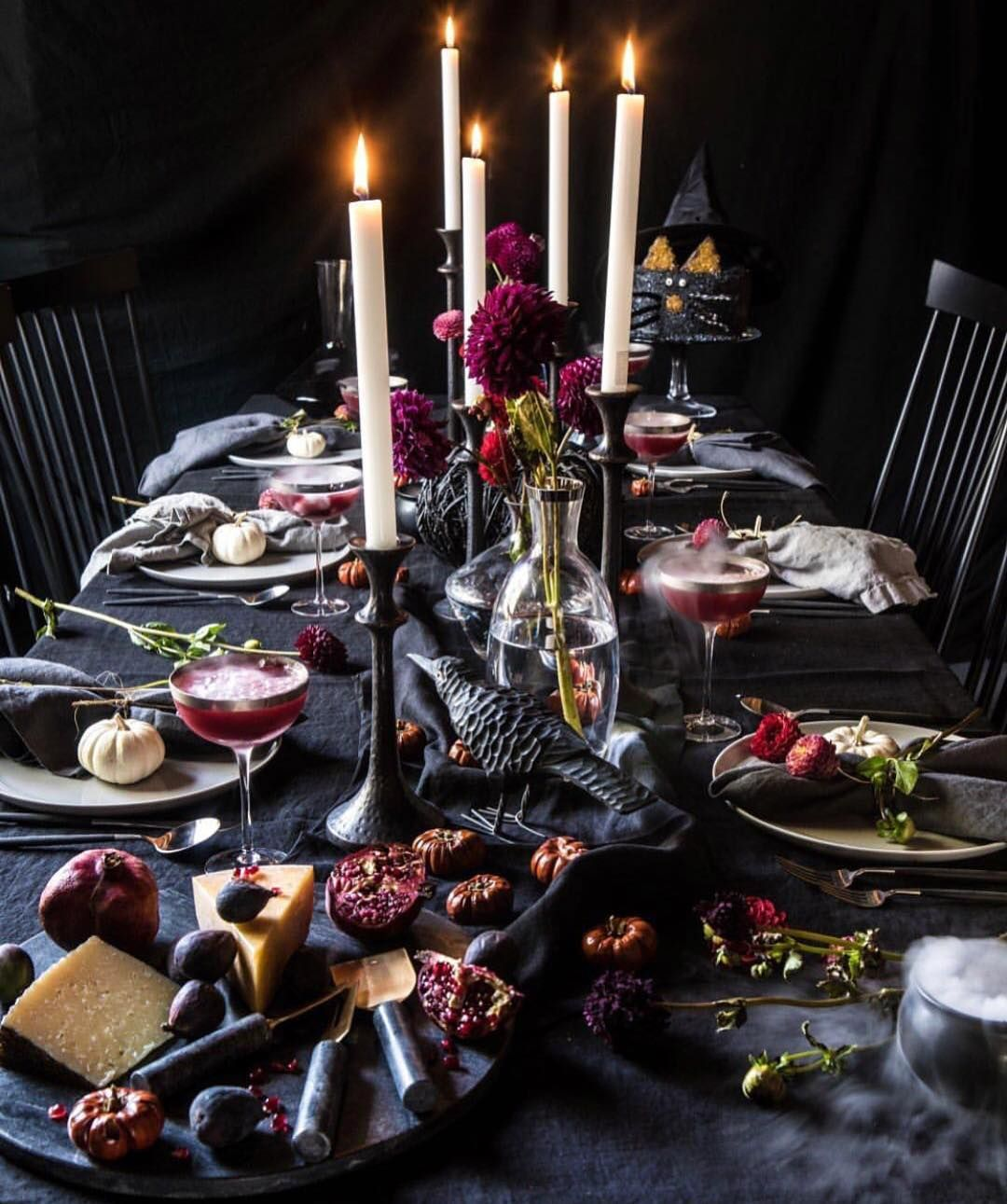 halloween tables scapes