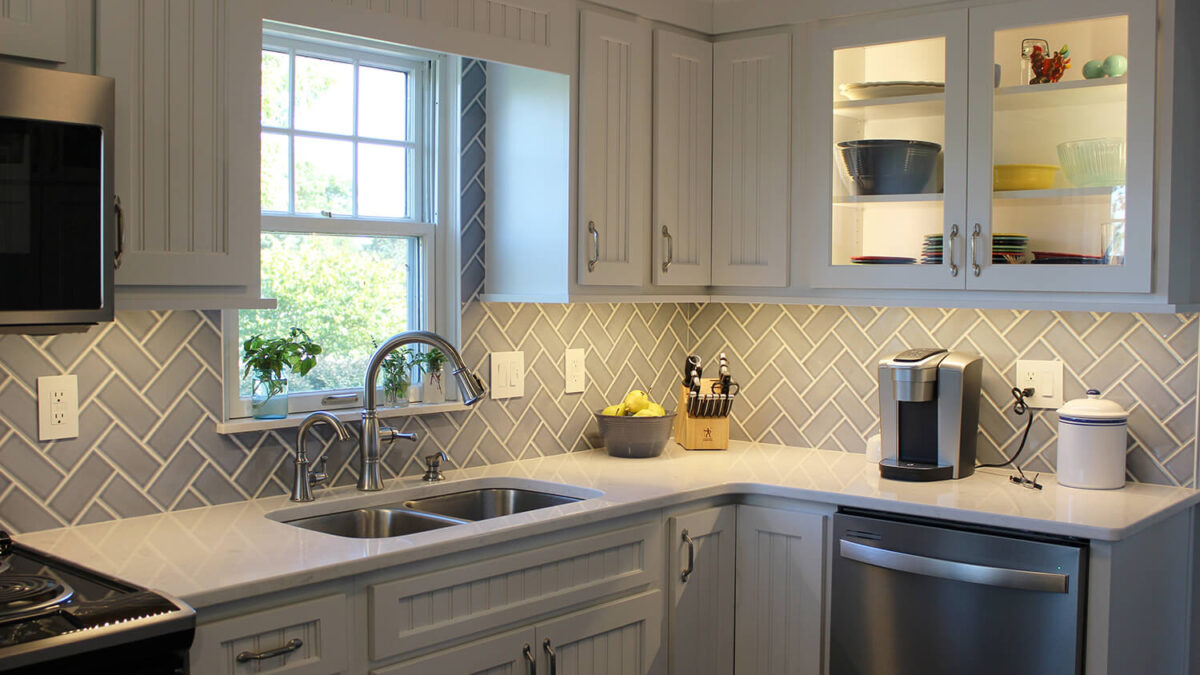 Tips On How To Select The Perfect Kitchen Cabinet Lighting