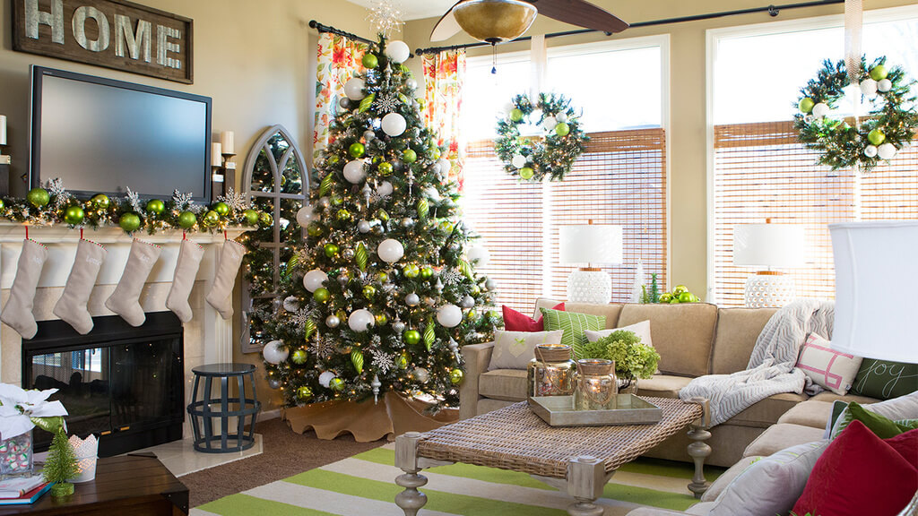 Get Yourself Ready for the Holidays with These Pretty Christmas Living Room Decoration Ideas!