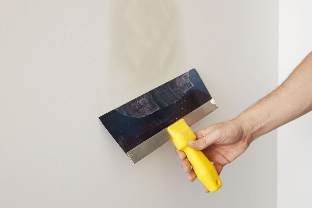 how to fill holes in drywall