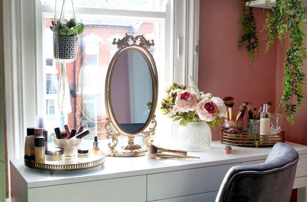 Get You Makeup Room Done with These Makeup Room Ideas