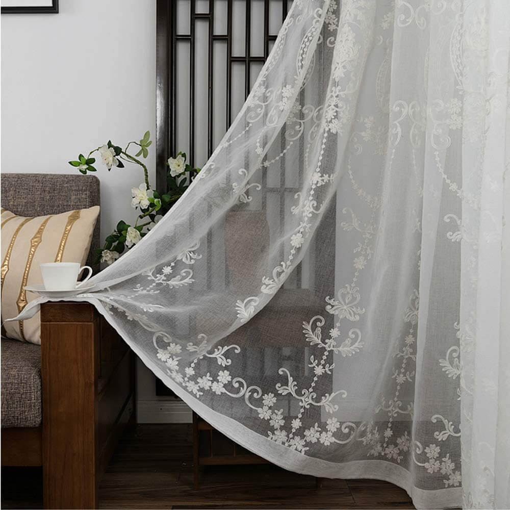 types of curtains: Sheer Curtains