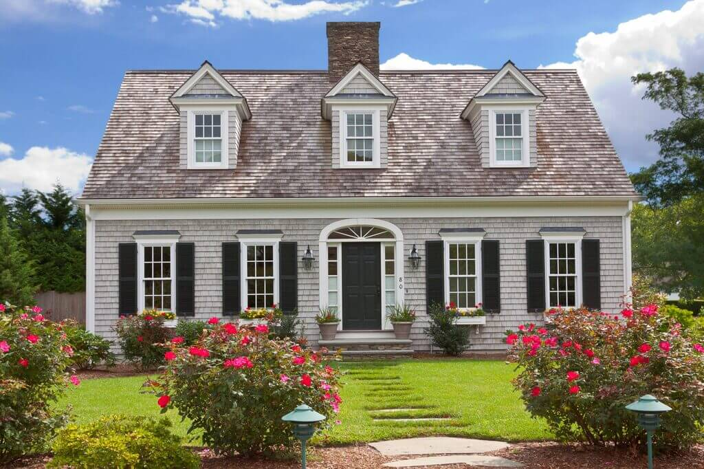 suburban house ideas: Traditional Colonial Style Homes